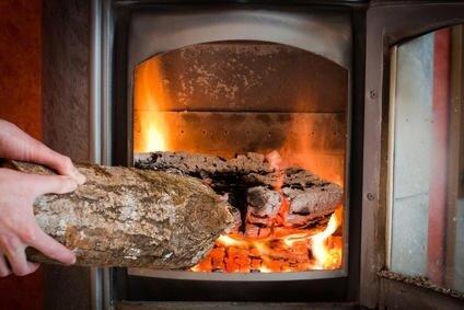 Histoire du chauffage du bois au chauffage lectrique for Chauffage central au bois